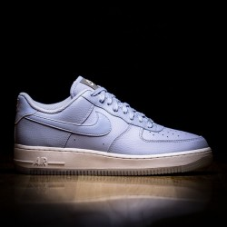newest 76465 33c26 Nike Wmns Air Force 1 07 Ess Metallic Luster White