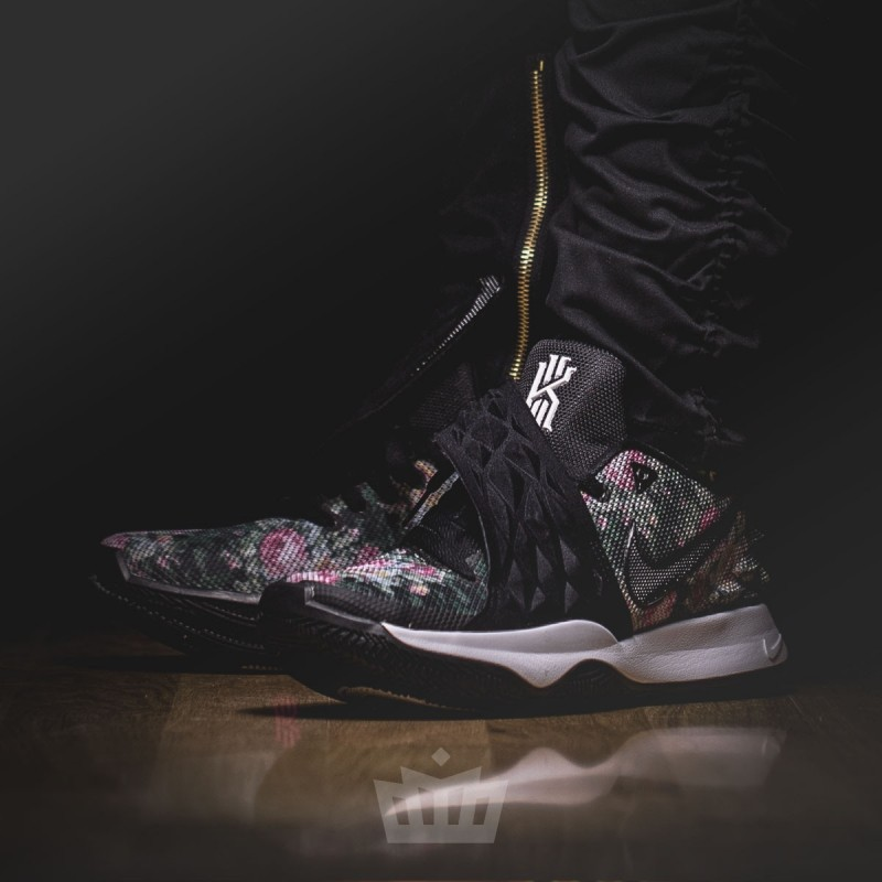 3a1acf42db2 Nike Kyrie Low Floral - ao8979-002 w Ataf.pl